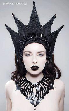 Gothic Couture 'Herrin der Finsternis' böse Königin Kokoshnik Kopfschmuck