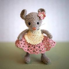 Crochet mouse made from free pattern by www.ireneholmgren.se - crocheted by Annie's Granny Design