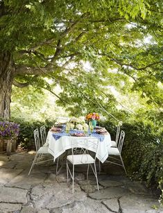 Designer James Huniford's Connecticut farmhouse | House & Garden Indoor Outdoor Living, Outdoor Dining, Outdoor Spaces, Flats In New York, Garden Furniture, Outdoor Furniture Sets, Palmer House, American Houses, Connecticut