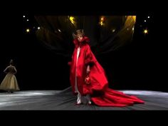 ***MY ALL-TIME FAVORITE FASHION COLLECTION*** Alexander McQueen Fall/Winter 2008 Full Show | HQ | Original Soundtrack ...