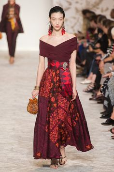 Etro, Spring 2018 - Milan's Most Fabulous Dresses for Spring 2018 - Photos