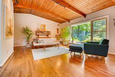 3408-Northlake-Trail-Doraville-large-006-29-Living-Room-1499x1000-72dpi.jpg (1498×1000)