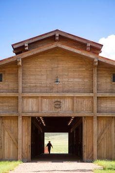 Montana barn                                        © Gordon Gregory Photography