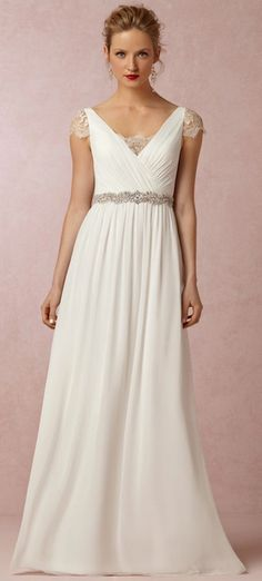 Gorgeous wedding gown for under $275! http://rstyle.me/n/nnq86n2bn
