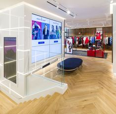 rpa:group's Interior Architecture division has designed Tommy Hilfiger's re-opened premium concept store on Amsterdam's Hoofstraat. Boutique Tommy Hilfiger, Tommy Hilfiger Store, Tommy Hilfiger Fashion, Light Oak Floors, Amsterdam, Retail Store Design, Hanging Rail, Retail Space, White Space