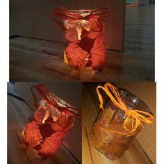 Podzimní svícínek. Nalepené listy na sklenici od okurek.
