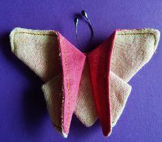 DE GULLE AARDE: vlinders naaien
