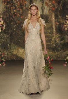 4 - vestido de noiva Octavia em bege com bordados em pedraria de jenny packham 2016