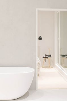 Decor, Neutral Interiors, Minimalist Home, Bathroom Inspiration, Sweet Home, Interior, Wall Colors, Home Decor, Bathroom