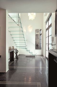 Escalier quart tournant suspendu tout en verre - Escalier suspendu quart tournant ...