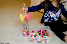 You have to make this Feed the Turkey activity. An easy Thanksgiving activity for toddlers that works on fine motor skills. A quick & easy toddler activity.