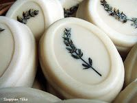 Szappan Téka: Magad uram, ha formád nincs... Decorative Plates, Gifts, Handmade, Soaps, Lavender, Presents, Hand Made, Hand Soaps, Craft