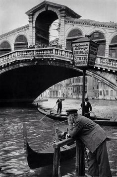Italy, Venice /1953. The Rialto Bridge on the Grand Canal. Photo: Henri Cartier-Bresson