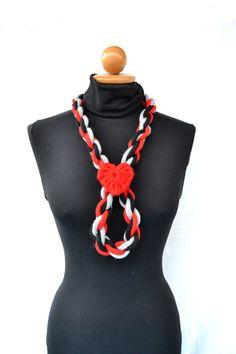 San Valentino  collana in lana a tre colori intrecciata di VereV