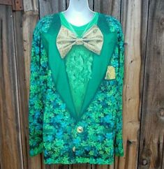 FauxReal Mens T Shirt St Patricks Day Long Sleeve M Shamrock Tux Style