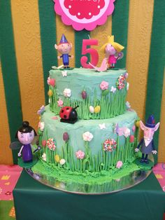 ben and holly cake ideas Ben And Holly Party Ideas, Ben And Holly Cake, Ben E Holly, 4th Birthday Cakes, Girl 2nd Birthday, 6th Birthday Parties, Disney Cakes, Party Cakes, First Birthdays