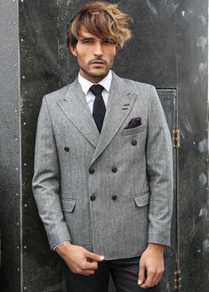Double breasted blazer, as part of combination winter season with metal buttons, cached fabric, closed pockets with comfortable and secured specifically in WSS collection. Mens Double Breasted Blazer, Beige Blazer, 3 Piece Suits, Blazers For Men, Men Looks, Mix Match, Colored Blazer, Mens Suits, Ties