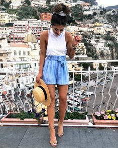 Blue shorts spring outfits