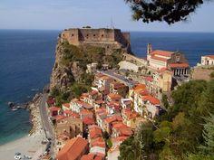 Segeln nach Sizilien, Straße von Messina, Scilla (Italien)