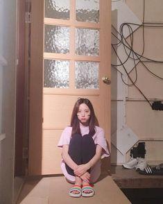 WJSN - Bona feet r/kpopfeets Kpop Girl Groups, Kpop Girls, Concert Dresses, Arin Oh My Girl, Au Ideas, Cheng Xiao, Asian Celebrities, Famous Models, Cosmic Girls