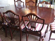 Vintage Thomasville Duncan Phyfe dining table Chippendale shield-back chairs Real Wood Furniture, Refurbished Furniture, Dining Room Furniture, Painted Furniture, Home Furniture, Antique Furniture, Duncan Phyfe, Dining Table Makeover, Mahogany Dining Table
