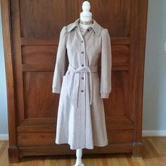 Vintage wool coat xs Gently worn beige wool coat from the 70s or early 80s. Beautiful lining. Xs or small No tag Jackets & Coats Trench Coats