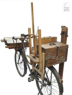 Moynahan Studio: Artist's Bike-easels and Stroller-easels. I want to do this to my bike Plein Air Easel, Pochade Box, Artist Workshop, Art Studio Organization, Art Easel, Mobile Art, Art Studios, Art Lessons, Watercolor Art