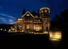 The Castle Inn Riverside in Wichita, Kansas Castles In America, Clan Castle, Land Of Oz, Home On The Range, Castle In The Sky, Scottish Castles, People Fall In Love, Old Churches, Beautiful Castles