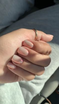 beautiful acrylic short square nails design for french manicure nails 14 ~ . beautiful acrylic short square na. Work Nails, Fun Nails, Pretty Nails, Blush Pink Nails, White Nails, Classy Nails, Stylish Nails, Oval Nails, Minimalist Nails