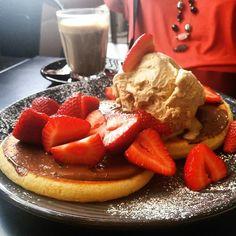 Energické jídlo Waffles, Pancakes, Breakfast, Food, Morning Coffee, Essen, Waffle, Pancake, Meals