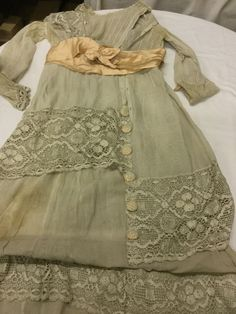 Found on EstateSales.NET: 1910 era gauze and lace dress - front