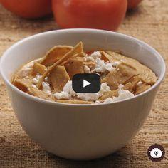 Esta preparación es tradicional en la cocina mexicana y se sirve como plato de principio de una comida o cena. La tortilla le confiere ese sabor inconfu...