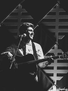 Niall performing at the Wild 94.9 Jingle Ball at SAP Center San Jose CA Dec 1 2016