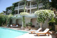 Flomarine villa pool area