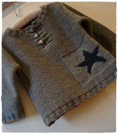 Model No. 15 of Tricotez Calin de Phildar, Fall-Winter Baby Boy Knitting, Knitting For Kids, Baby Knitting Patterns, Knitting Designs, Baby Patterns, Free Knitting, Baby Pullover, Baby Cardigan, Newborn Outfits