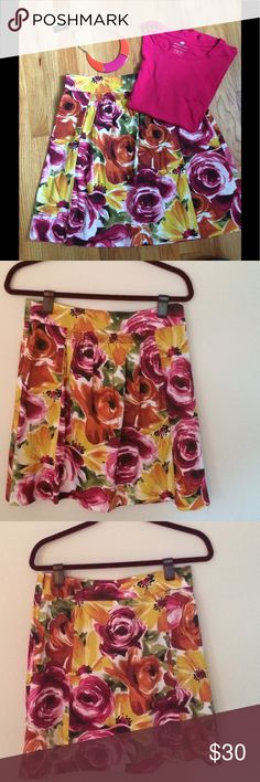 """🌺🌼 Floral print skirt by odille 🌼🌸 🌺🌼🌸 Beautiful floral print skirt by Odille. Side zipper and a side pocket. Pair it with a your solid t-shirt and your necklace and you're ready to  go!  This necklace is for sale & will be listed soon.          Approximate measurements are: waist - 15 1/2"""" and length: 20""""           🌸100% cotton. Anthropologie Skirts"""
