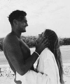 Discovered by Find images and videos about love, cute and couple on We Heart It - the app to get lost in what you love. Cute Couples Photos, Cute Couple Pictures, Cute Couples Goals, Couple Goals, Couple Photos, Relationship Goals Pictures, Cute Relationships, Photos Amoureux, The Love Club