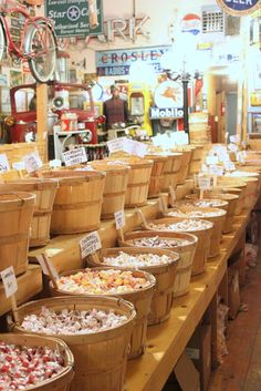barrels of taffy Supermarket Design, Retail Store Design, Rustic Coffee Shop, Veggie Display, Deli Shop, Farmers Market Display, Zero Waste Store, Showroom Interior Design, Vegetable Shop