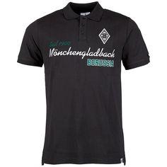 Das schwarze Polo Shirt von Borussia Mönchengladbach für jeden sportlich eleganten Anlass. Die Grundfarbe des Polo Shirts wird im Brustbereich von einem gestickten Borussia Mönchengladbach Schriftzug veredelt. Das eher schlichte Farbdesign ermöglicht eine breite Auswahl an Kombinationsmöglichkeiten. Das Vereinsemblem ist wie gewohnt linksseitig auf der Brust platziert. Auf der Rückseite macht d...