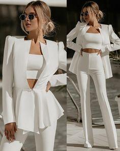 Glamouröse Outfits, Classy Outfits, Stylish Outfits, Fall Outfits, Winter Outfits Women, Stage Outfits, Suit Fashion, Fashion Dresses, Blazer Fashion