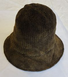 Knitted hat, thick wool, Copenhagen, late 16th or first half of 17th century, National Museum of Denmark