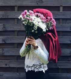 Find images and videos about girl, hijab and d on We Heart It - the app to get lost in what you love. Arab Girls, Muslim Girls, Muslim Women, Niqab Fashion, Street Hijab Fashion, Fashion Outfits, Hijabi Girl, Girl Hijab, Islamic Fashion