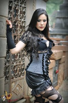 Gothic model - Queen Lilly
