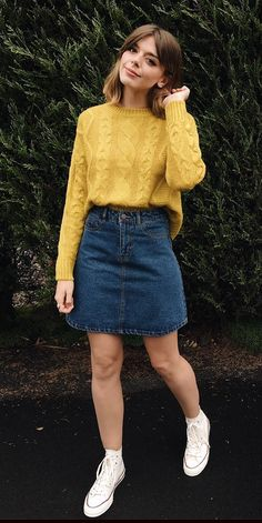 Gen-Z Yellow Might Be The Color That Dethrones The Millennial Generation Cute Casual Outfits, Retro Outfits, Modest Outfits, Stylish Outfits, Artsy Outfits, Winter Fashion Outfits, Fall Outfits, Summer Outfits, Summer Shorts