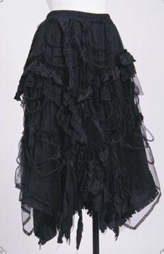 Love this skirt, it reminds me of Mrs. Lovett :)