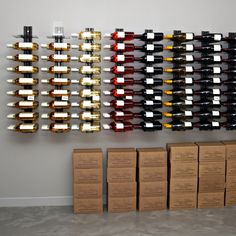 Wall wine rack VisioRack® made of metal, for horizontal storage