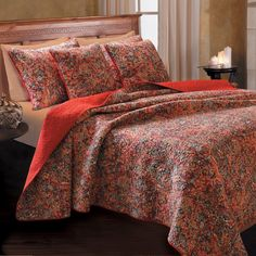 Bordertown Reversible Quilt Set