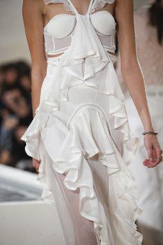See detail photos for Balenciaga Spring 2016 Ready-to-Wear collection.