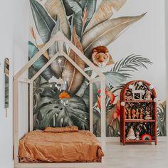 Tropical - populaire muurschildering - [ K I D S R O O M ] Tropical Wallpaper, Botanical Wallpaper, Nursery Wallpaper, Kids Wallpaper, Wallpaper Jungle, Wallpaper Companies, Jungle Art, Toddler Rooms, Art Wall Kids