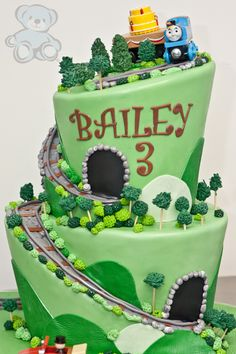 Dream Day Cakes Created This Fun Thomas The Train Birthday Cake From Their Licensed Bakery In Gainesville Florida